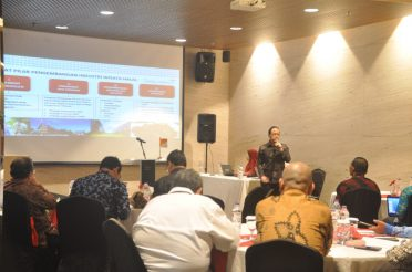 Focus Group Discussion Penyusunan Paket Wisata Halal